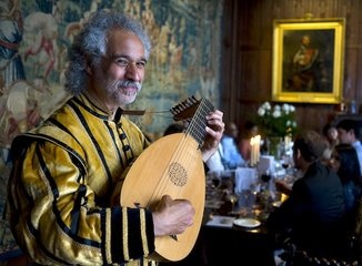 Wedding Musicians Dante Ferrara : Lute player & more