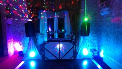 Wedding DJ's Small Venues Discos & pro keyboard player 7. fir Bourne, Lincolnshire